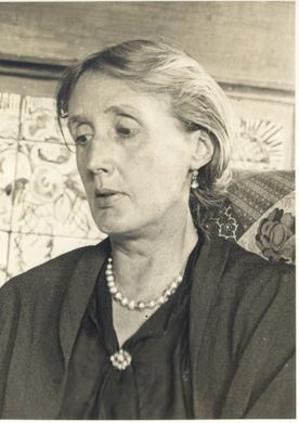 V Woolf older