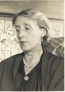 V Woolf older
